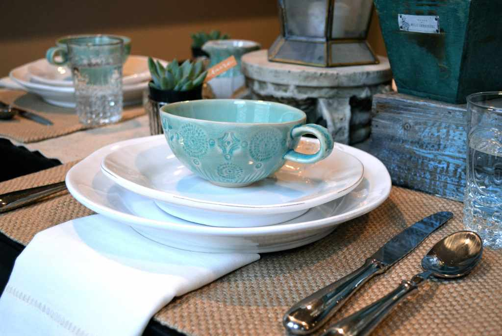 brunch table setting from one charming life